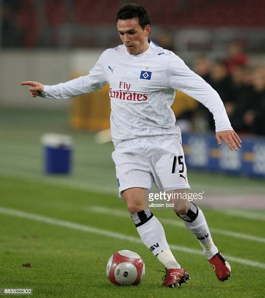Piotr Trochowski Mittelfeldspieler Hamburger SV D in Aktion am Ball