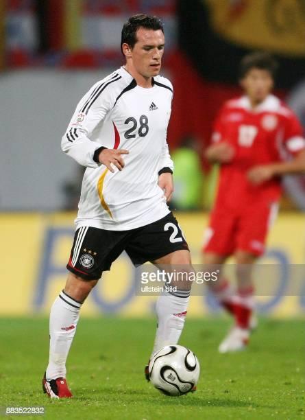 Piotr TROCHOWSKI Mittelfeldspieler Nationalmannschaft D in Aktion am Ball