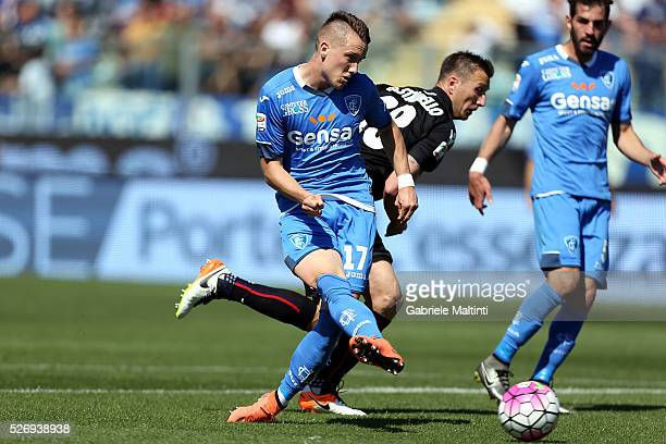 Piotr Zielinski of Empoli FC in action during the Serie A match between Empoli FC and Bologna FC at Stadio Carlo Castellani on May 1 2016 in Empoli...