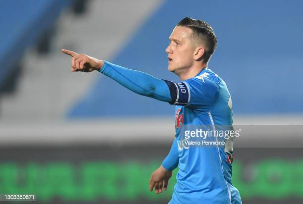 Piotr Zielinski of SSC Napoli celebrates after scoring his team's first goal during the Serie A match between Atalanta BC and SSC Napoli at Gewiss...