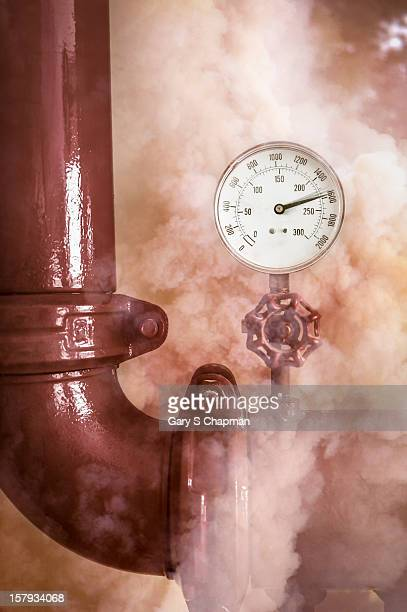 Pipe and valve with high pressure steam
