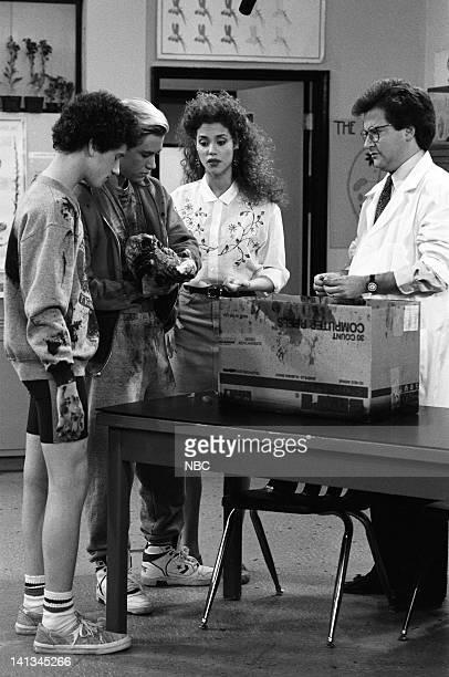 BELL 'Pipe Dreams' Episode 11 Air Date Pictured Dustin Diamond as Screech Powers MarkPaul Gosselaar as Zack Morris Elizabeth Berkley as Jessie Spano...