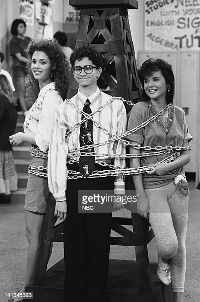 BELL 'Pipe Dreams' Episode 11 Air Date Pictured Elizabeth Berkley as Jessie Spano Justin Warfield as student Tiffani Thiessen as Kelly Kapowski Photo...