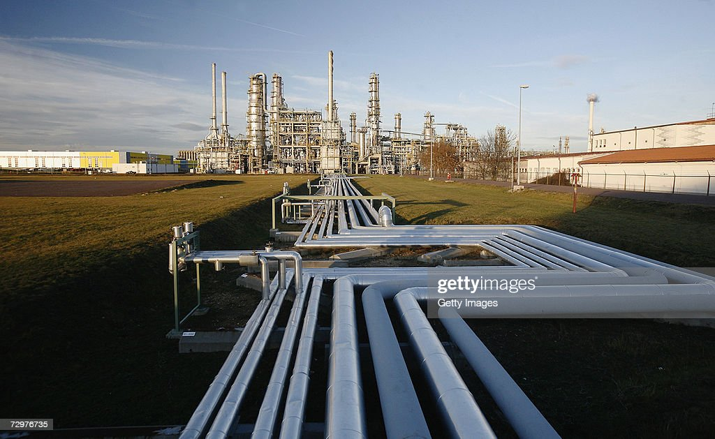Russian Oil Stops Flowing To Western Europe Thru Belarus : Nachrichtenfoto