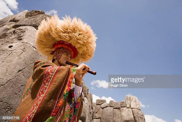 piper in traditional peruvian dress - hugh sitton foto e immagini stock