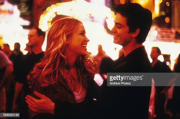 Piper Perabo and Adam Garcia in a scene from the film 'Coyote Ugly' 2000