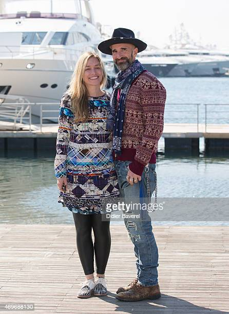 Piper Perabo and her husband writer director Stephen Kay pose during the 'The Fight' photocall at MIPTV on April 14 2015 in Cannes France