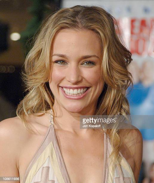 Piper Perabo during Cheaper by the Dozen 2 Los Angeles Premiere Arrivals at Mann Village Theatre in Westwood California United States