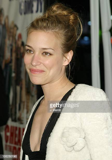 Piper Perabo during Cheaper By The Dozen World Premiere at Mann's Grauman Chinese Theatre in Hollywood California United States