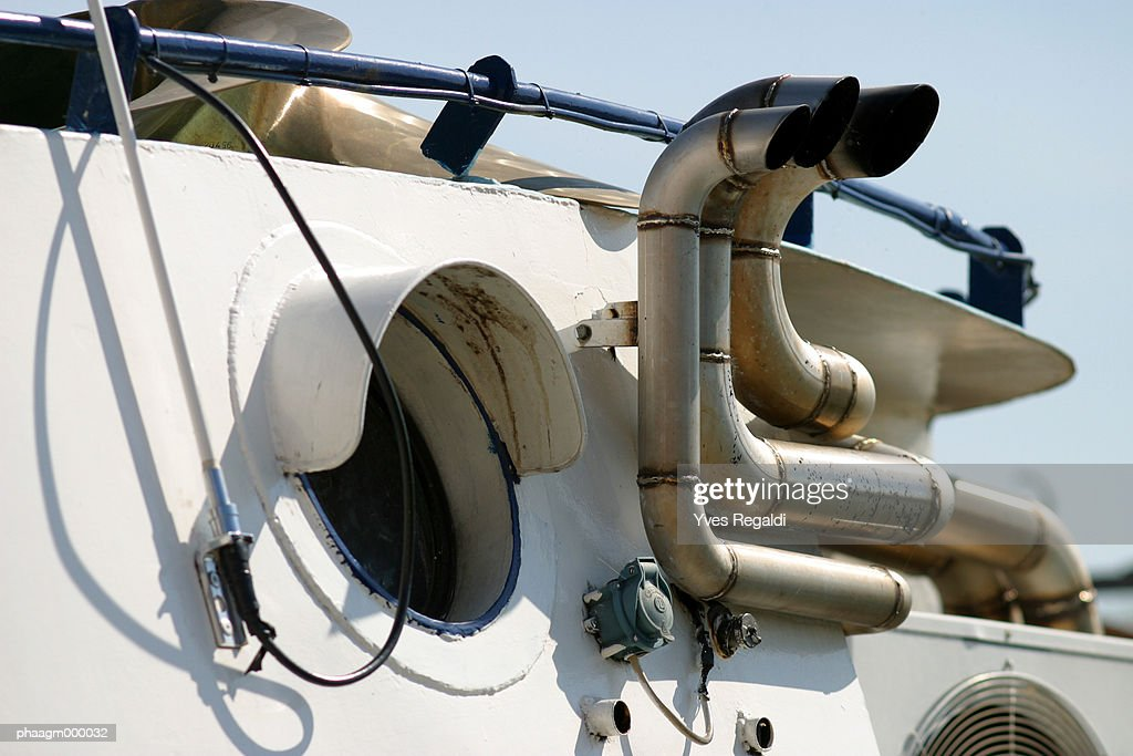 Pipes on boat, close-up : Stockfoto