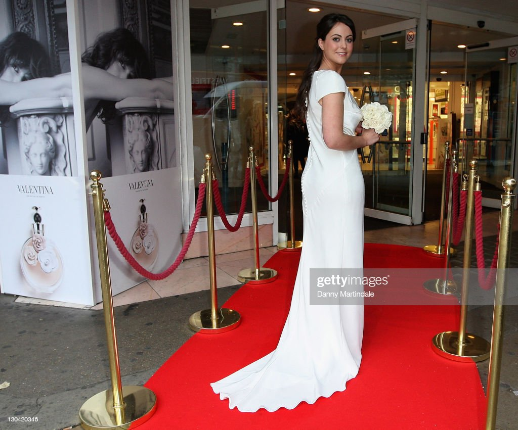Pippa middleton look a like launches debenhams bridal collection pippa middleton look a like jodie bredo launches a dress inspired by pippa middletons ombrellifo Image collections