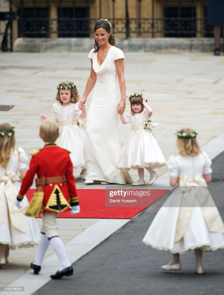 Pippa Middleton with Grace van Cutsem (L) and Eliza Lopez (R) arrive for the marriage of Their Royal Highnesses Prince William Duke of Cambridge and Catherine Duchess of Cambridge at Westminster Abbey on April 29, 2011 in London, England.