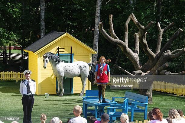 Pippi LangstrumpfDarstellerin Darsteller Polizist Kling Pferd Kleiner Onkel Publikum Theaterstück im Freizeitpark Astrid Lindgrens Welt Vimmerby...