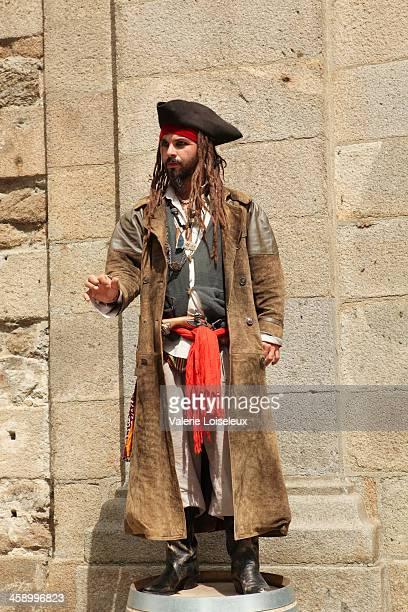 pirate capitán - jack sparrow fotografías e imágenes de stock