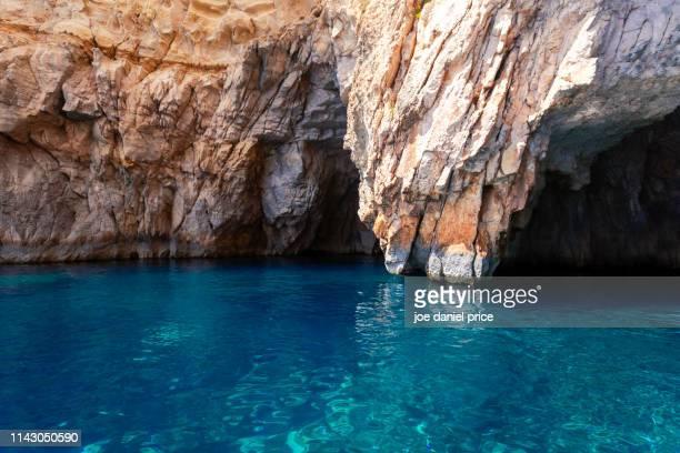 pirate cave, blue grotto, qrendi, malta - 青の洞窟 ストックフォトと画像