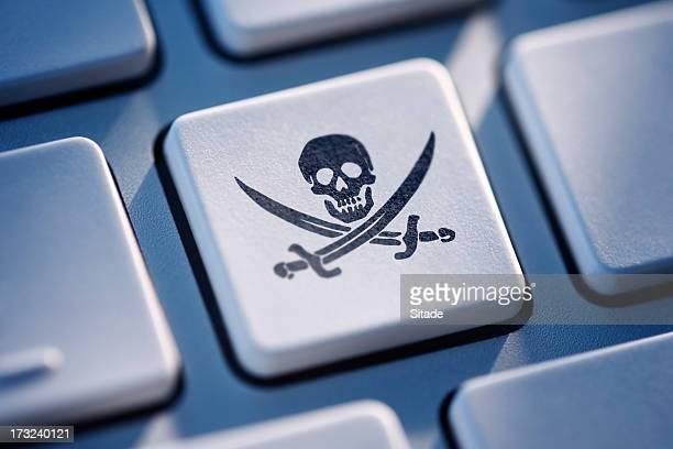 Pirate Schlüssel auf Computer-Tastatur