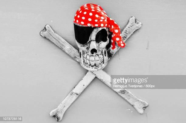 crimson pirate movie download