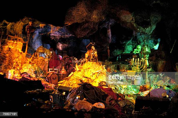 139 Pirates Of The Caribbean Ride Photos And Premium High Res Pictures Getty Images