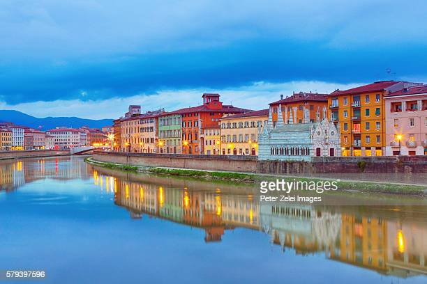 pisa with the arno river in tuscany, italy at dusk - arno stockfoto's en -beelden