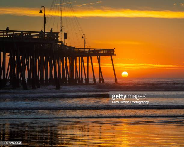 pismo beach sunset - pismo beach stock pictures, royalty-free photos & images