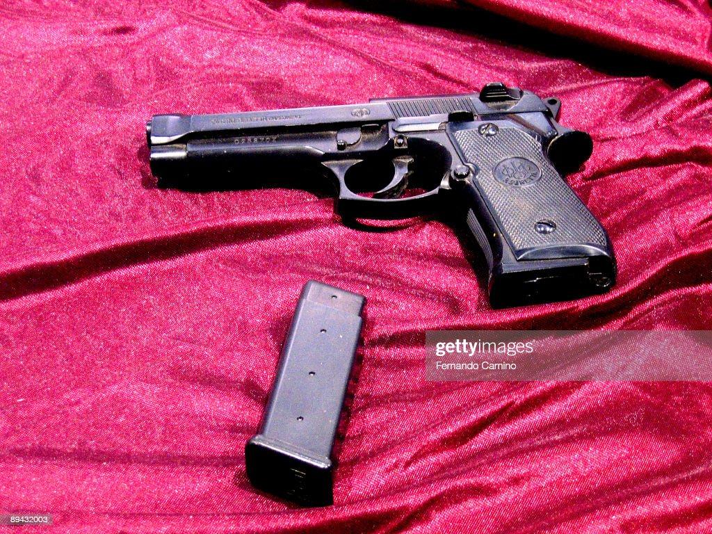 Pistol. : News Photo