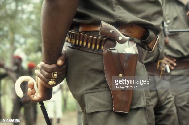 Pistolet de Jonas Savimbi fondateur et dirigeant du mouvement politique et militaire angolais l'UNITA en février 1985 en Angola