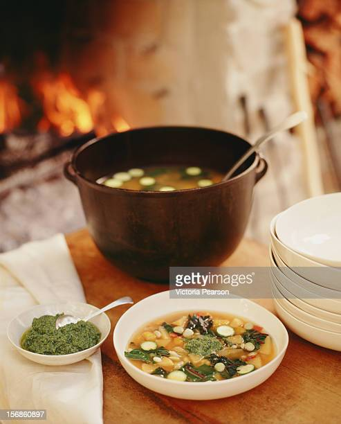 pistou soup made in the fireplace. - ピストー ストックフォトと画像