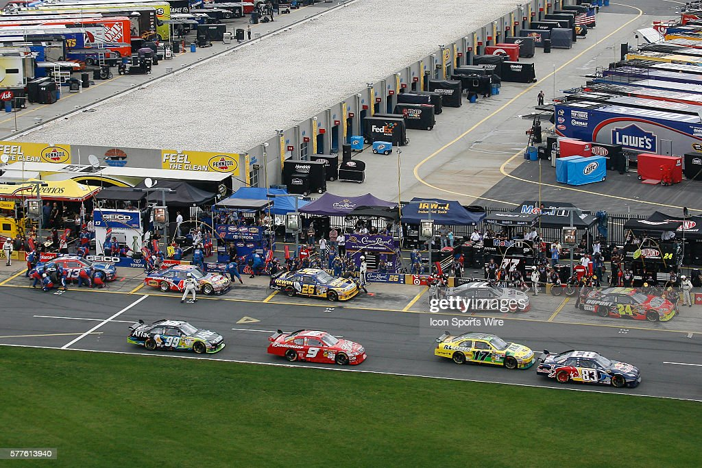 Pit Road Is Busy During The Lap 40 Compeion Caution Coca Cola 600