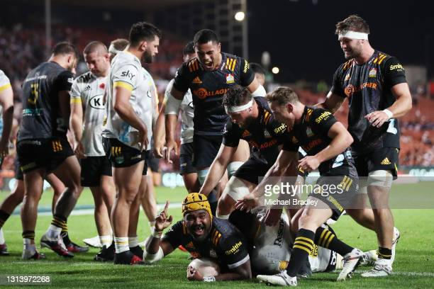 Pita Gus Sowakula of the Chiefs celebrates his try during the round nine Super Rugby Aotearoa match between the Chiefs and the Hurricanes at FMG...
