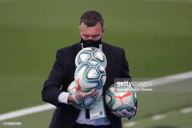 Pitch delegate Carlos Megia Davila carries La Liga balls prior to start the Liga match between Real Madrid CF and SD Eibar SAD at Estadio Alfredo Di...