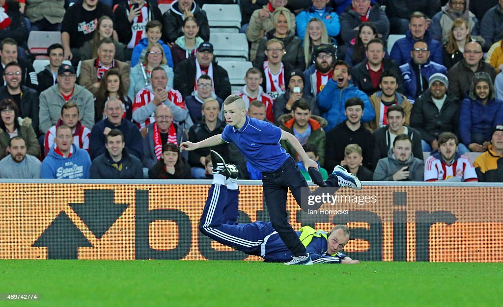 Sunderland v Manchester City - Capital One Cup Third Round : News Photo