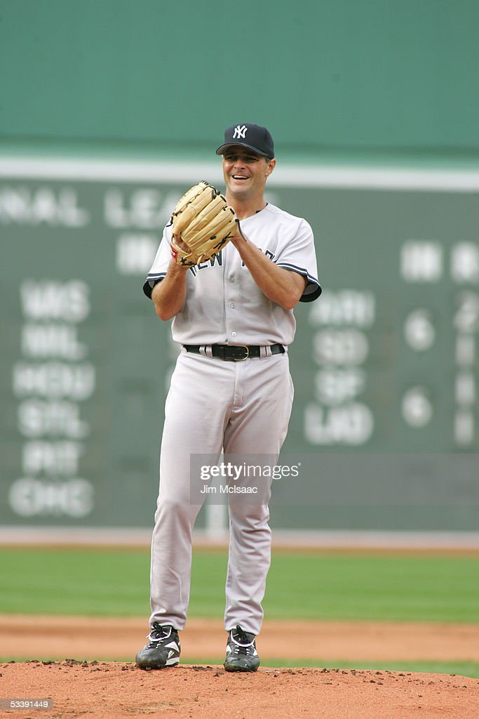 Pitcher Al Leiter #19 of the New York Yankees smiles during the game against the Boston Red Sox at Fenway Park on July 17, 2005 in Boston, Massachusetts. The Yankees defeated the Red Sox 5-3.