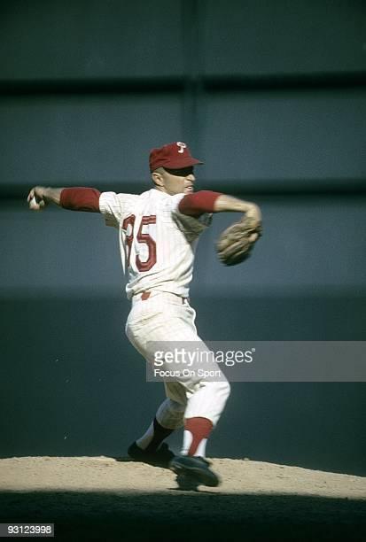 Pitcher Bobby Shantz of the Philadelphia Phillies pitches during a circa 1964 Major League Baseball game at Connie Mack Stadium in Philadelphia...