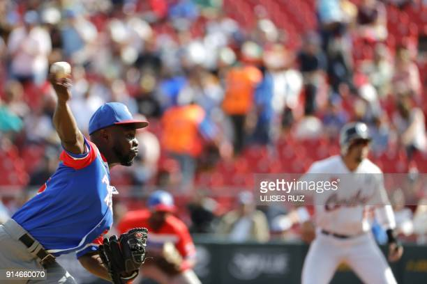 Pitcher David Richardson of Puerto Rico's Criollos de Caguas throws against the Caribes de Anzoategui of Venezuela during the Caribbean Baseball...