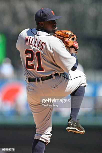 Pitcher Dontrelle Willis of the Detroit Tigers pitches in a game against the Kansas City Royals ton April 8 2010 at Kauffman Stadium in Kansas City...