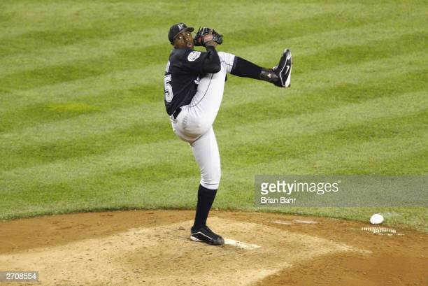 Pitcher Dontrelle Willis of the Florida Marlins winds up during game one of the Major League Baseball World Series against the New York Yankees on...