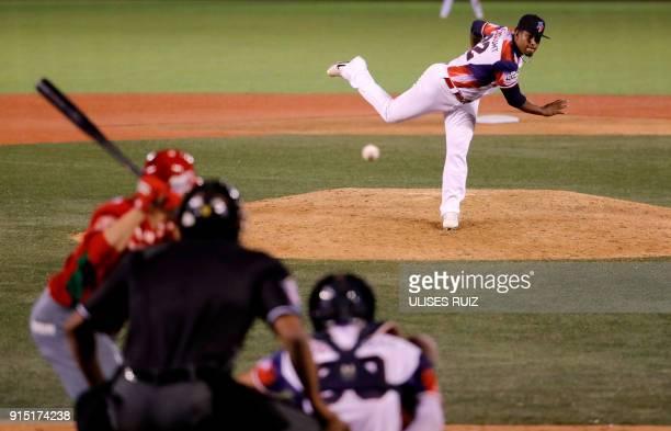 Pitcher Esmerling de la Rosa of Aguilas Cibaenas of Republica Dominicana throws against Tomateros de Culiacan of Mexico during the Caribbean Baseball...
