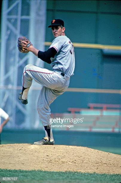 Pitcher Gaylord Perry of the San Francisco Giants delivers a pitch during a game against the Cincinnati Reds at Crosley Field in Cincinnati during...