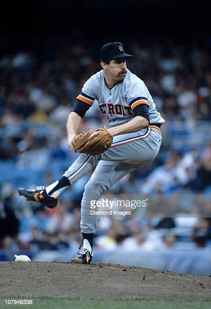 Pitcher Jack Morris of the Detroit Tigers throws a pitch during a game on September 27 1986 against the New York Yankees at Yankee Stadium in New...