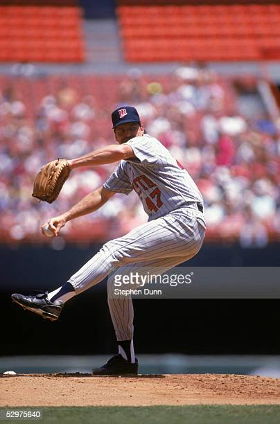 Pitcher Jack Morris of the Minnesota Twins delivers a pitch against the Anaheim Angeles on August 7 1991