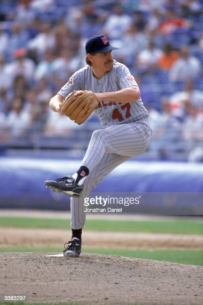 Pitcher Jack Morris of the Minnesota Twins pitches against the Chicago White Sox on October 3 1991 at Comiskey Park on October 3 1991 in Chicago...