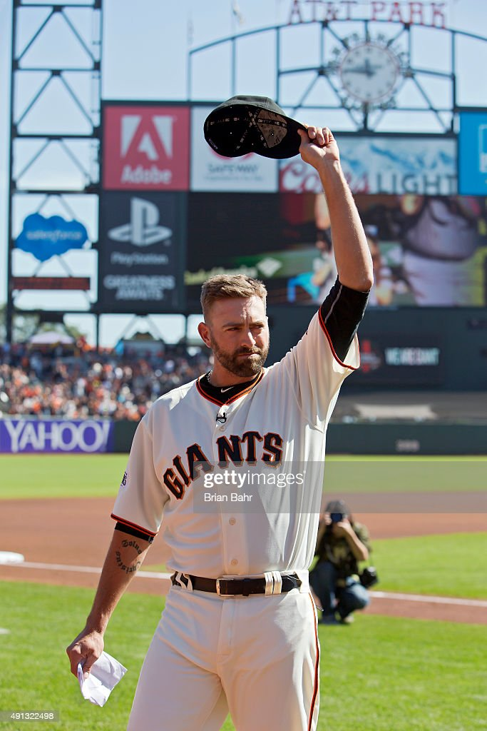 Pitcher Jeremy Affeldt #41 of the San Francisco Giants tips his hat to the crowd during his retirement ceremony before a game against the Colorado Rockies at AT&T Park on October 4, 2015 in San Francisco, California, during the final day of the regular season.