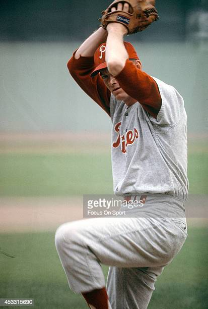 Pitcher Jim Bunning of the Philadelphia Phillies pitches during an Major League Baseball game circa 1964 Bunning played for the Phillies from 196467