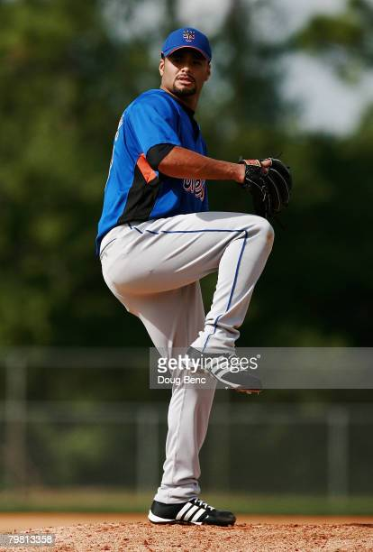 Pitcher Johan Santana of the New York Mets works out during Spring Training at Tradition Field on February 17, 2008 in Port Saint Lucie, Florida.