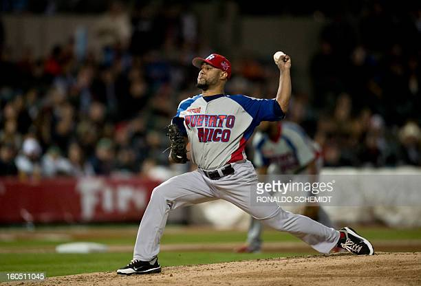Pitcher Kelvin Villa of Criollos de Caguas of Puerto Rico pitches against Yaquis de Obregon of Mexico at the Sonora Stadium during the 2013 Baseball...