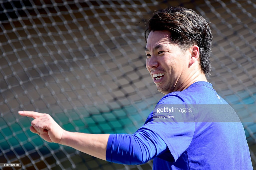 NLCS - Chicago Cubs v Los Angeles Dodgers - Game Three : News Photo