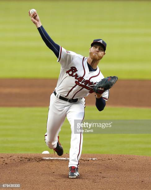 Pitcher Mike Foltynewicz of the Atlanta Braves throws a pitch in the first inning during the game against the St Louis Cardinals at SunTrust Park on...