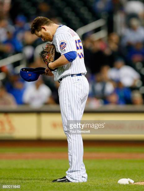 Pitcher Neil Ramirez of the New York Mets gets set to pitch in an MLB baseball game against the Milwaukee Brewers on May 31 2017 at CitiField in the...