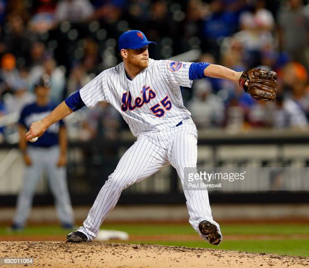 Pitcher Neil Ramirez of the New York Mets pitches in an MLB baseball game against the Milwaukee Brewers on May 31 2017 at CitiField in the Queens...