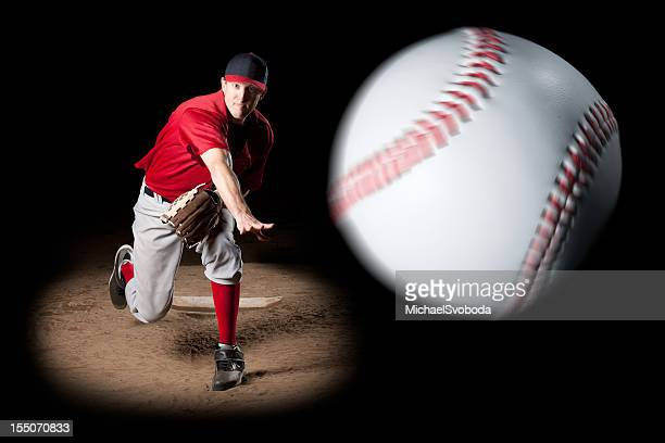 pitcher - pitcher stockfoto's en -beelden